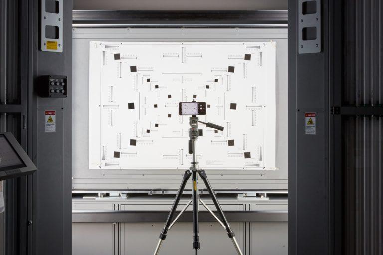 Екскурсія по лабораторії: як Samsung забезпечує надійну роботу пристроїв Galaxy