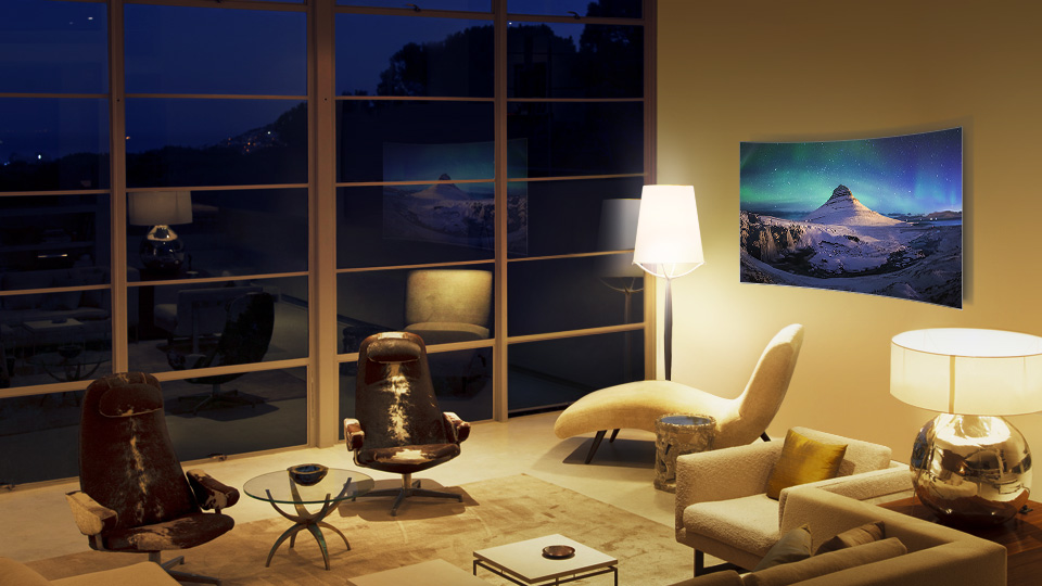 QLED tv's bold contrast no matter how bright or dark your surroundings
